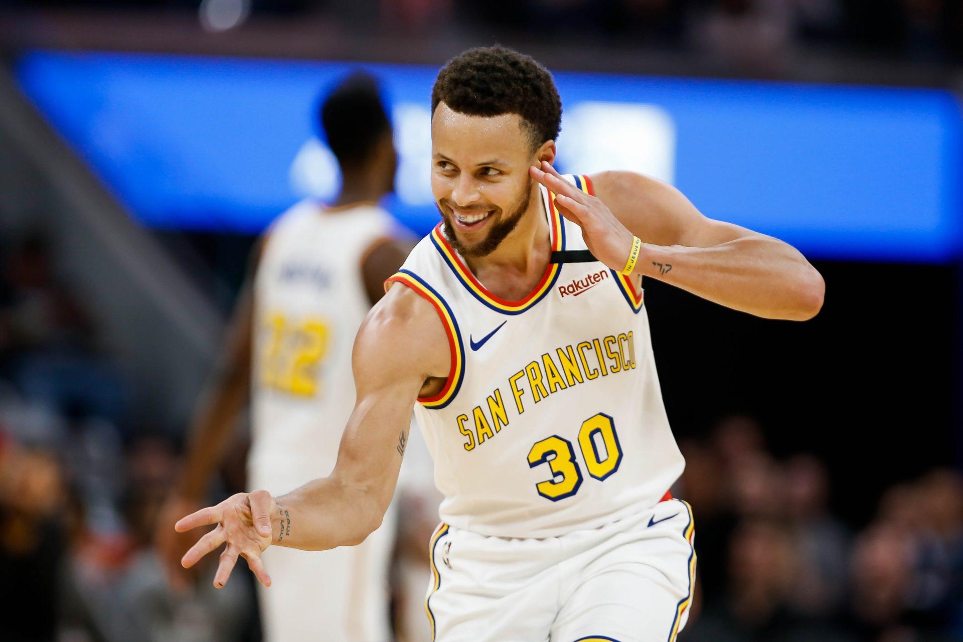 Stephen Curry por extender su marca de triples en NBA - Momento Deportivo RD